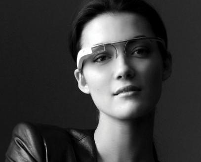 谷歌眼镜亮相