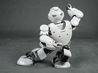 益智娱乐双不误 优必选阿尔法机器人评测