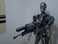 《终结者》脑残粉手工打造1:1 T-800机器人