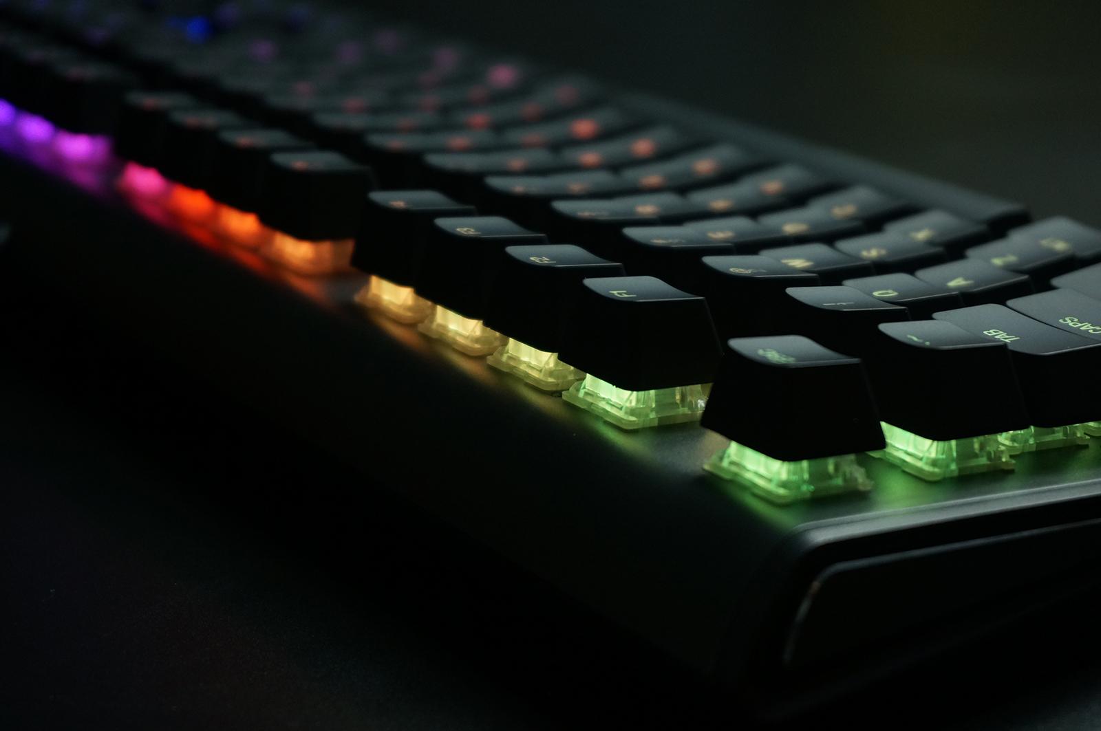 赛睿APEX M650机械键盘评测