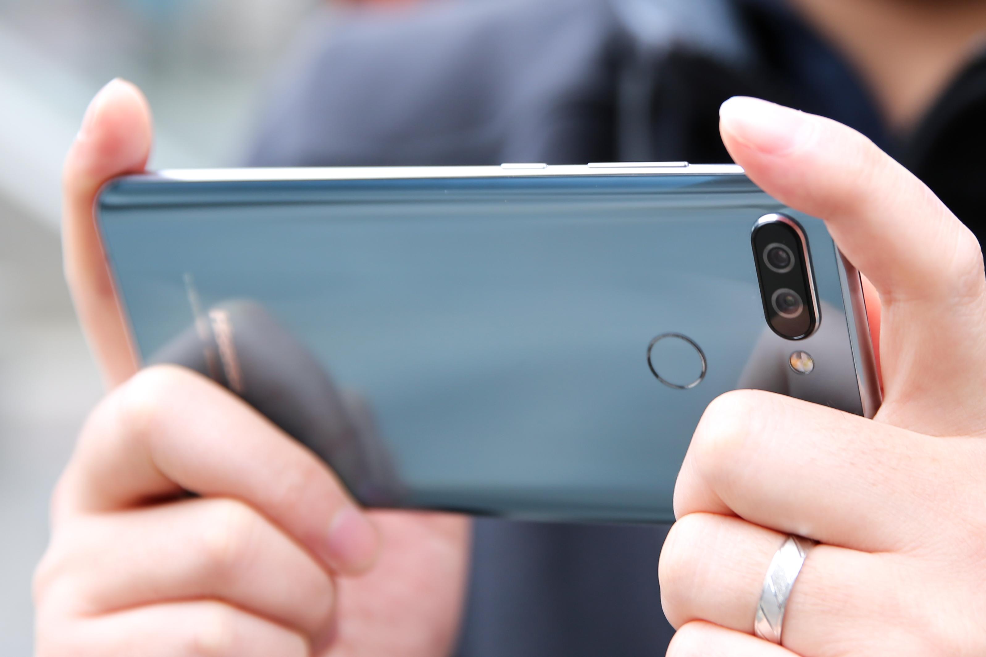 海信V+手机