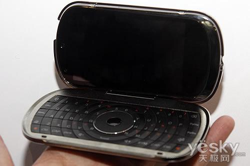 图为:联想 乐phone外设键盘