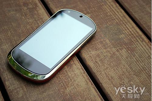 华丽设计 强大配置 联想乐Phone真机图赏