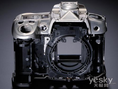 凝聚高性能尼康D7000拍摄更真实 使用更灵活