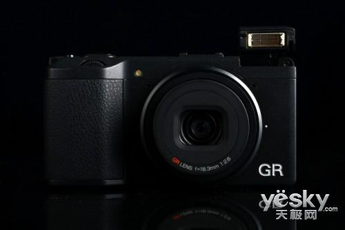 小巧便携随心拍 理光GR数码相机机身解析