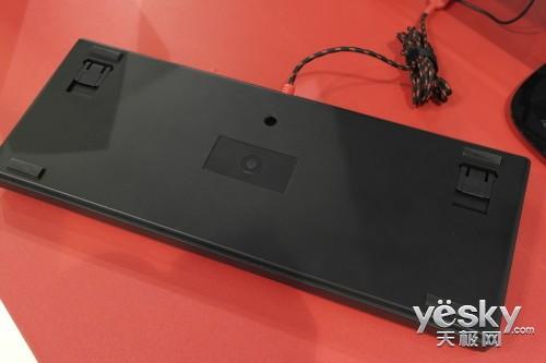 黑轴+独立背光调节 血手幽灵机械键盘试玩