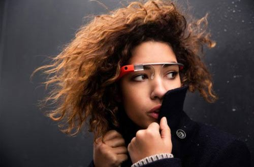 跟随'谷歌眼镜'一起体验科幻魅力