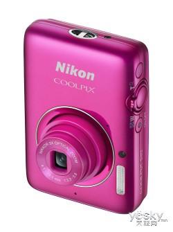尼康发布轻便型数码相机COOLPIX S02