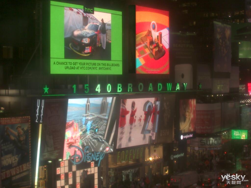...时代广场   体验   11月25日,HTC在纽约时代广场发出邀约,面...