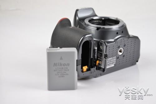 尼康入门级数码单反相机D5300 外观评析