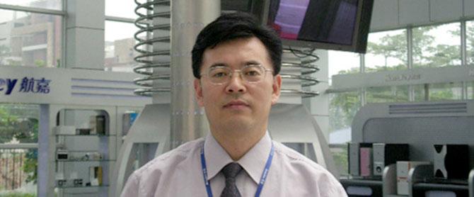 航嘉插排设计师大赛评委组长:刘茂起