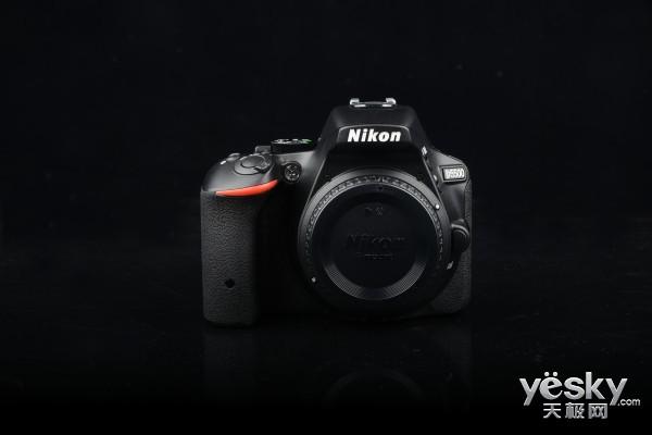 触摸拍摄更自由 尼康D5500单反相机到站首测