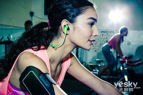 JBL SYNCHROS REFLECT BT蓝牙通话耳机推荐