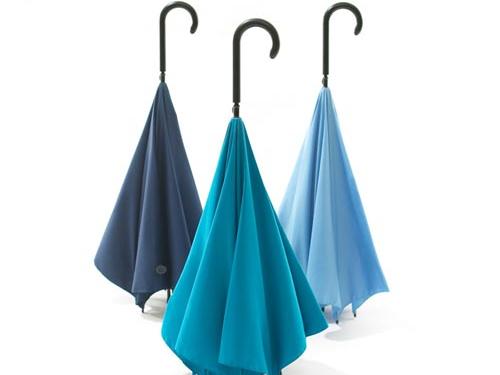 英国创新设计反向伞 颠覆传统绝不湿身图片