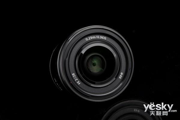 性价比大光圈镜头 索尼FE28 F2报价2899元