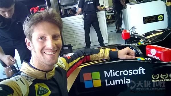 微软再刷人气 这次把Lumia标志印在了F1赛车上