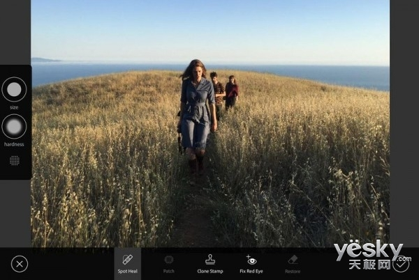 Adobe打造iOS版Photoshop软件 预计10月推出
