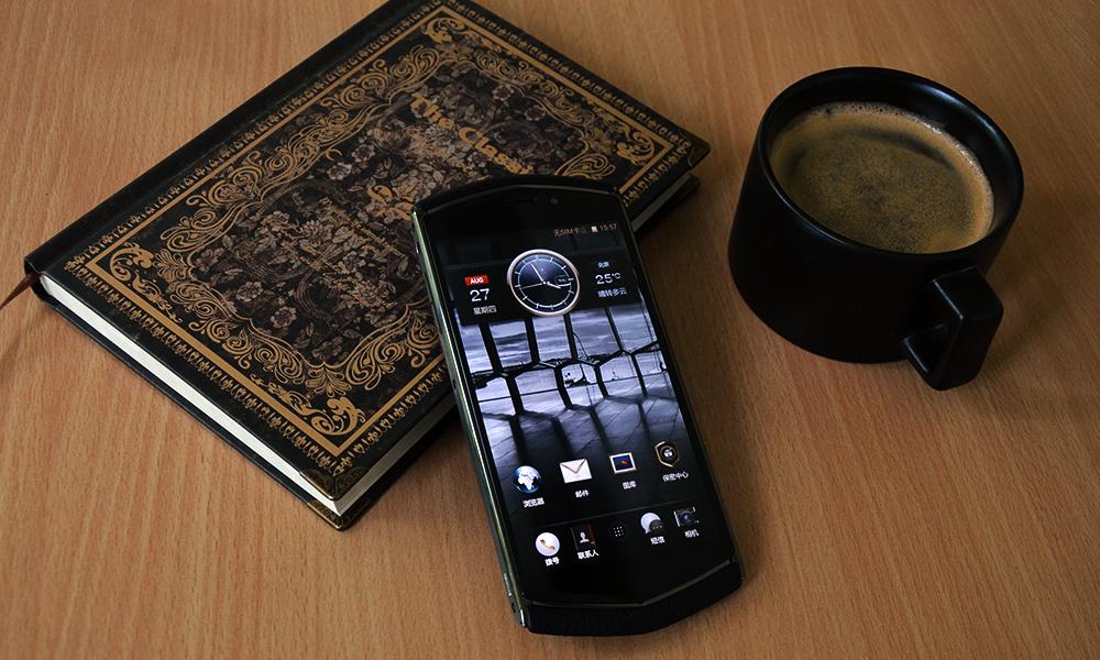 手工打造实用奢华主义 8848钛金手机图赏图片