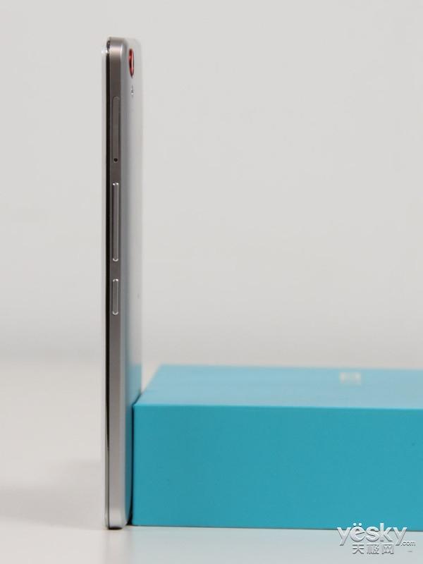 重凝极致金属质感 邦华U11手机开箱图赏