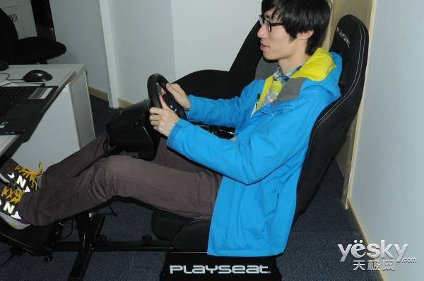 竞速游戏神器 PLAYSEAT Evolution赛车座椅试用