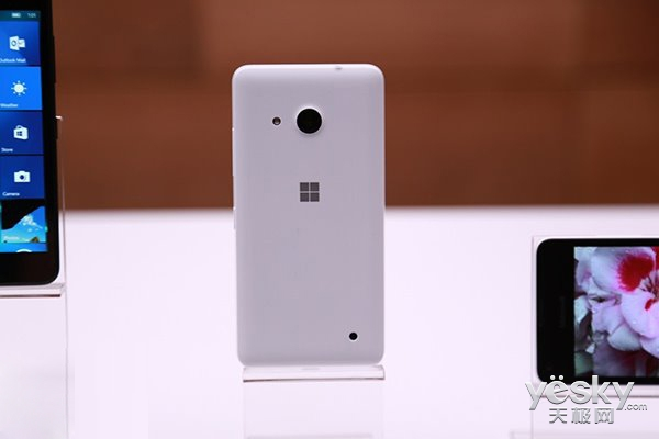 Win10入门手机Lumia 550在美国上市 150美元