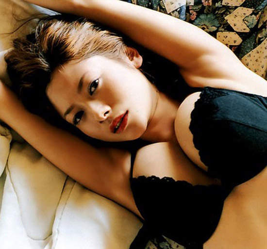 《完美胸形日本女星》网友最漂亮的美胸排行榜 - 图片1