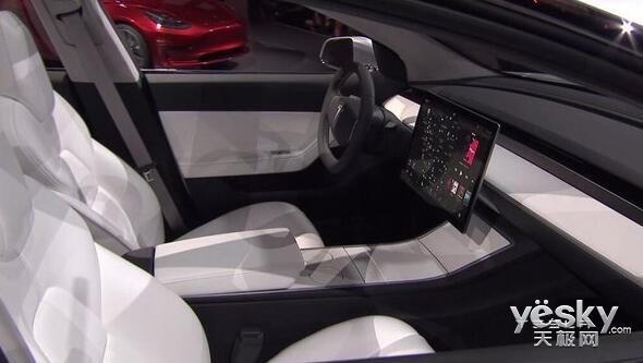 特斯拉Model 3电动汽车正式发布 22.6万元   特斯拉CEO马斯克表示,Model 3是一款高性价比的车型,这款车将来会成为特斯拉最具意义的产品之一。   目前,特斯拉Model 3已经开始接受预订,美国官网订金为1000美元,国内用户可以在中国大陆的16家体验中心进行预订,订金为8000元人民币,预计最早将于2017年正式交付。