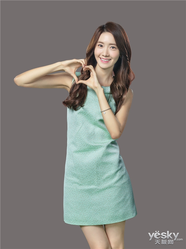 韩国少女时代林允儿 现身虎牙与你共度今宵图片