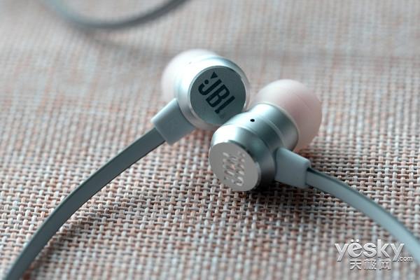 钛振膜单元 JBL T280A+入耳式耳机评测