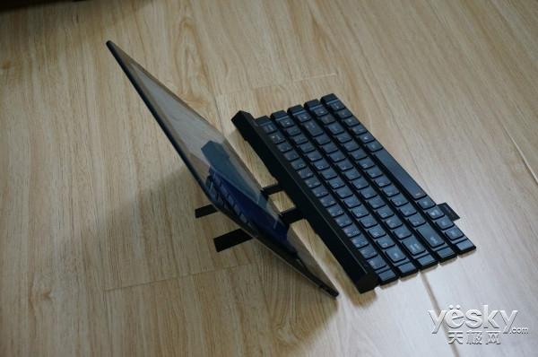 可折叠超便携 LG KBB710卷轴式蓝牙键盘试用