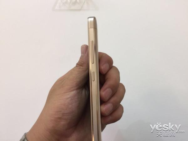 小米又发大招了!联通定制手机红米3X仅899元