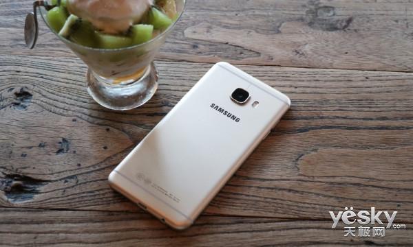 人性化应用/支付是亮点 三星C5手机体验评测
