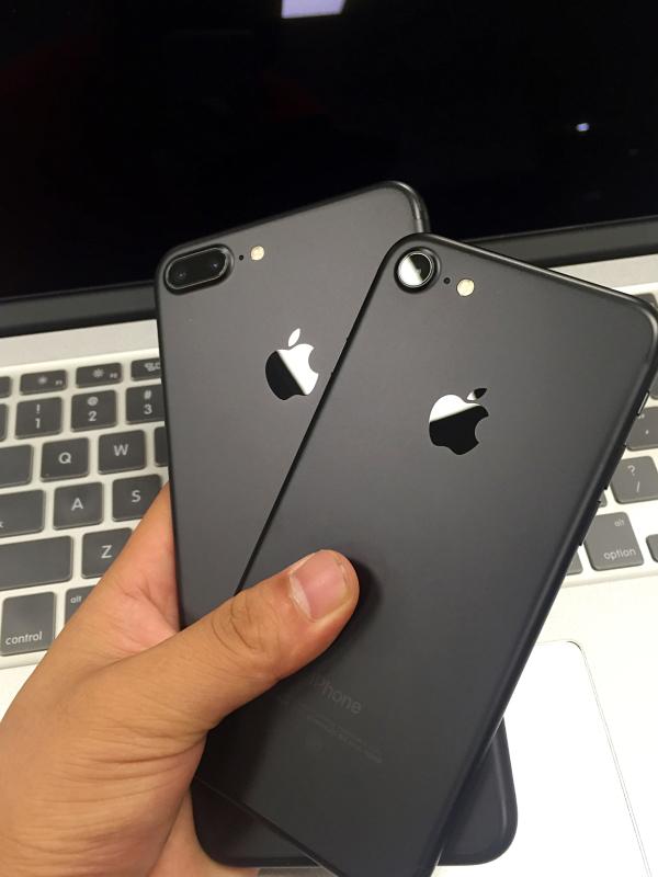 高级黑哭晕在厕所 iPhone7终极颜色只有一种