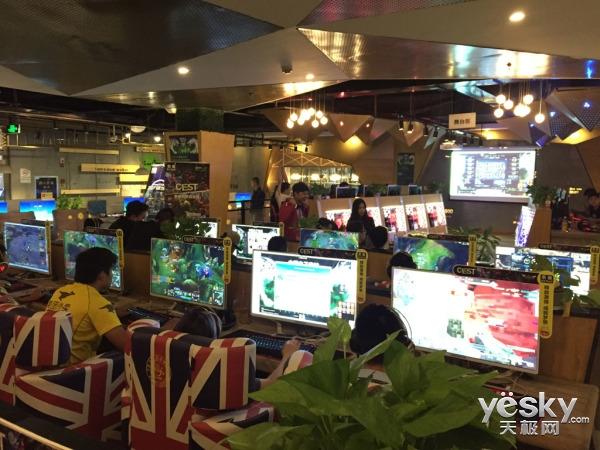 CEST索泰网吧自选赛重庆站精彩回顾