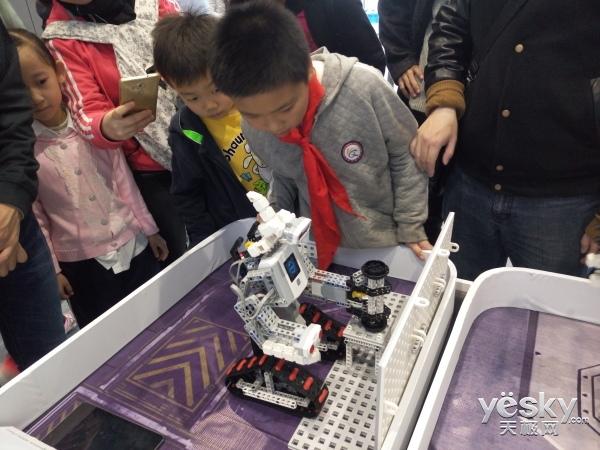 明日教育之星 从WER世锦赛看教育机器人意义