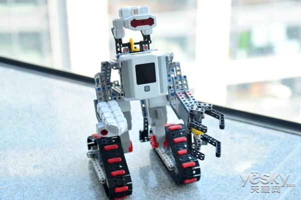 用积木连接未来 能力风暴积木机器人氪7评测