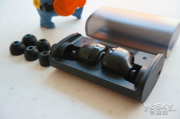 外观小巧逼格高!黑格U.1 GO耳机体验评测