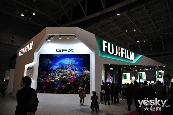 CP+2017:富士展台中画幅无反GFX依然吸睛