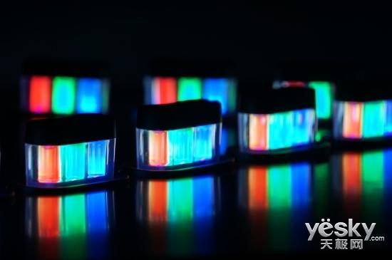 黑色情人节 TCL量子点新品x3电视让你更精彩