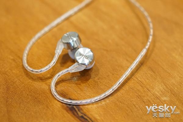 超宽带动圈 RHA入耳式耳机CL750评测