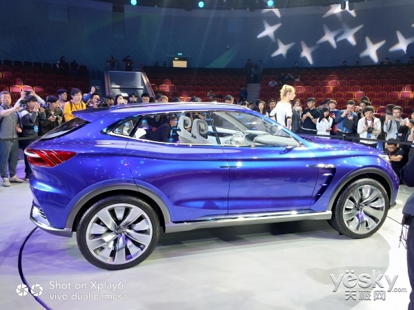 vivo Xpaly6带你看上海车展:荣威VISION-E