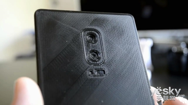 三星Note8概念机亮相:屏幕更大、后置双摄