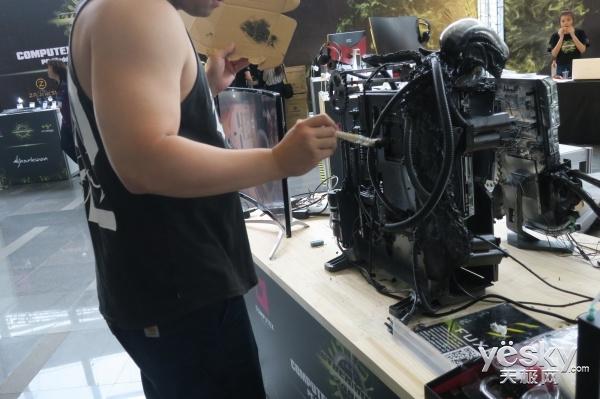 牛人教你如何装机 Computex PC改装大赛上演