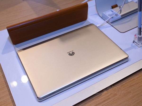 每日IT极热 OPPO R11plus售价公布3699元起