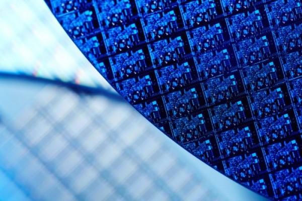 最快2020年 Intel首曝7nm处理器亮相时间