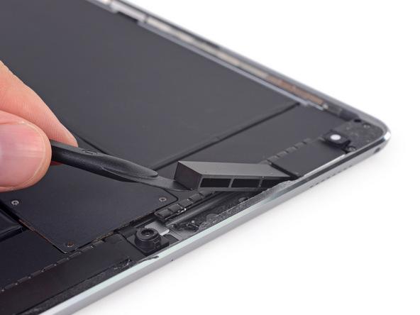 10.5英寸iPad Pro拆解报告:胶水太多太难拆