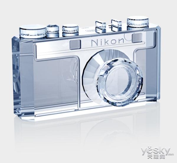 尼康百年公主梦:携施华洛世奇打造水晶相机