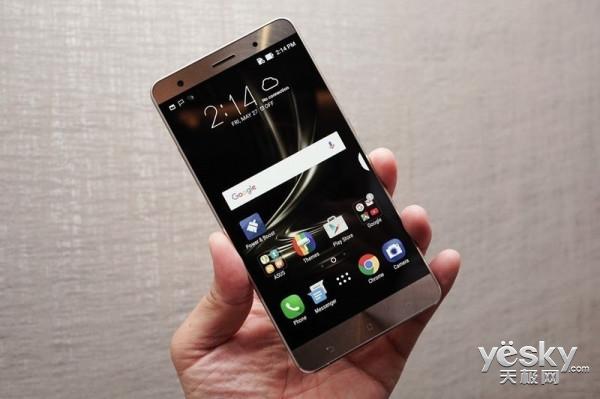 全球首款8GB手机 华硕Zenfone AR台湾上市
