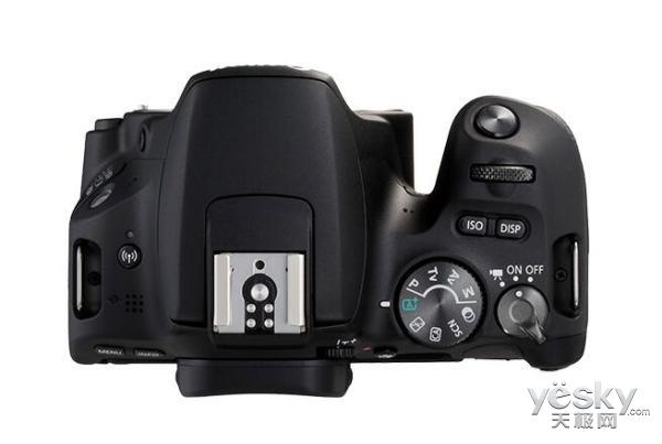 佳能推APS-C画幅单反EOS 200D 售价为3720元