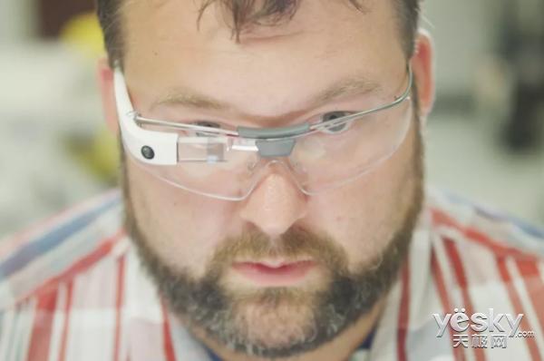 谷歌眼镜在更新后 上升为企业级工具